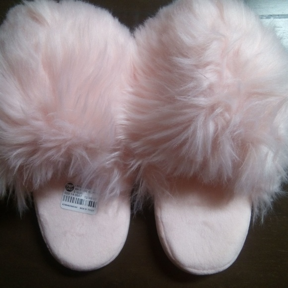 45312d26239 Pink Furry Slippers